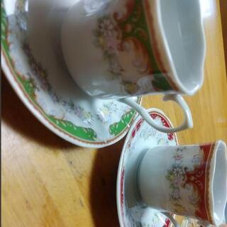 カップ&ソーサー☆コーヒーティーカップ緑赤花