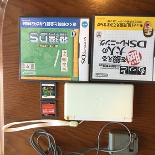ニンテンドーDS  lite ホワイト ゲームソフト4本付