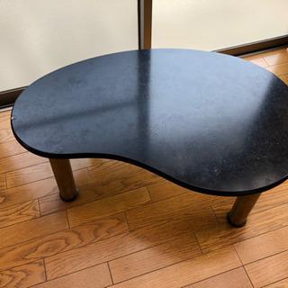 黒のテーブル