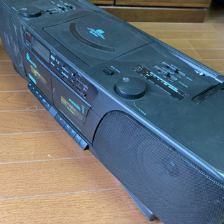 CD/カセット/ラジオ重低音が凄いラジカセ 中古
