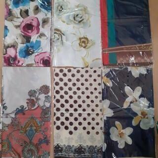 スカーフ1枚300円12枚3000円