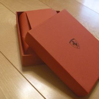 【値下】フェラーリの財布の箱