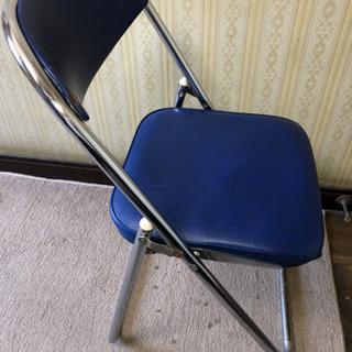 (値下げ)折り畳み式パイプ椅子