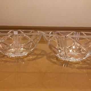 ガラスのサラダ皿(二つ)