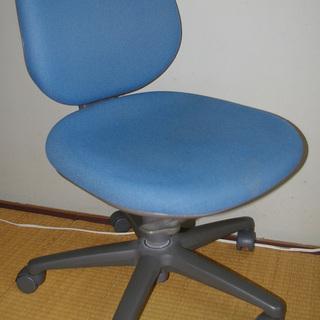 学習椅子、オフィスチェアー キャスター付き2脚セット
