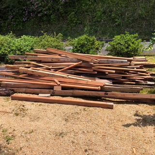 木材、薪、廃材
