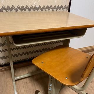 学校机 学校椅子