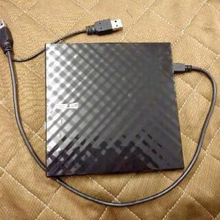 パソコン用外付けDVDドライブ
