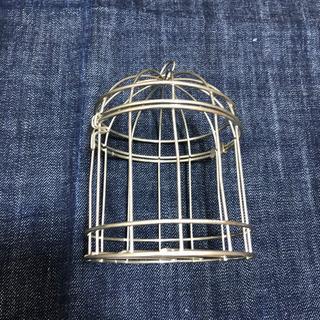 小さな鳥籠