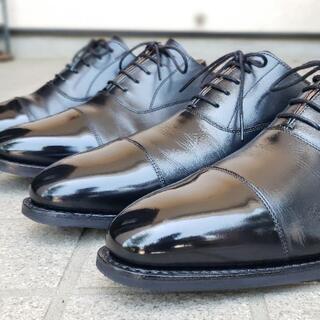 革靴磨きます!