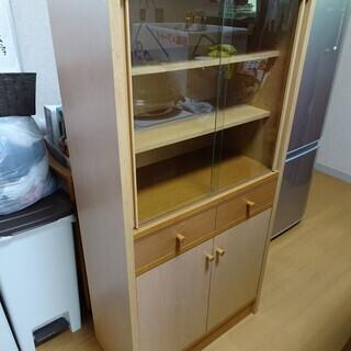食器棚(中古)  約60x30x120cmぐらい(さしあげます)