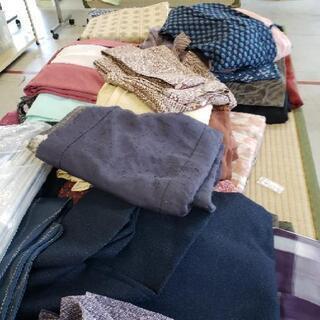 大量入荷中 着物詰め放題1000円 ほとんど正絹