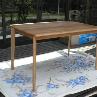 ニトリ ダイニングテーブル 75x120 高さ71 4人用