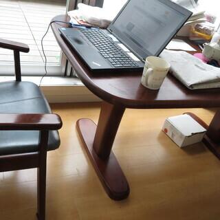 ダイニングテーブルとイス4セット(国産木製)