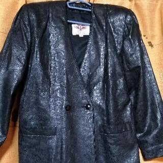 レザーのスーツ黒