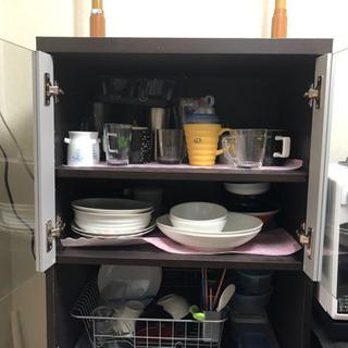 食器棚 の画像