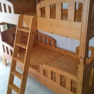 只今、商談中!!二段ベッド 木製 宮付き 照明 コンセントの画像
