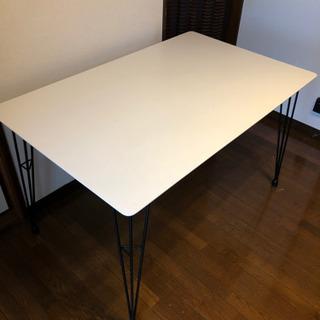 NITORIダイニングテーブル