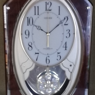 振り子付きメロディ電波掛時計 スワロフスキー・クリスタルの振り子