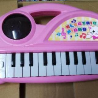 おもちゃのピアノ 美品