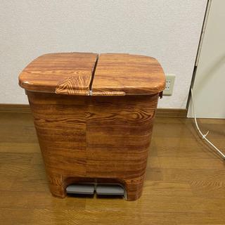 ②木目調ステッカーのゴミ箱【取りにきてくださる方限定】