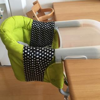 イングリッシーナ 子供用椅子 トレー カバー付の画像