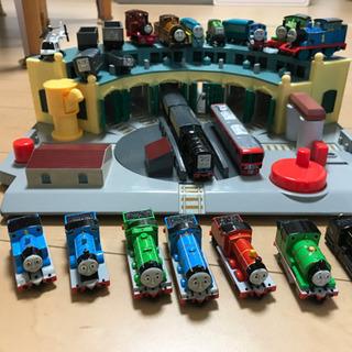 トーマス 電車 操車場 レール セット - おもちゃ