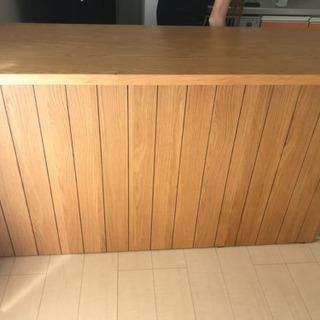 キッチンカウンター、食器棚、ダイニングテーブル、バーカウンター