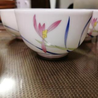 香蘭社の湯のみ 4つ。 5月25日の朝までに連絡ください