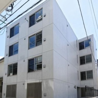 【世田谷区上馬】三軒茶屋駅徒歩12分、築浅デザイナーズマンション...
