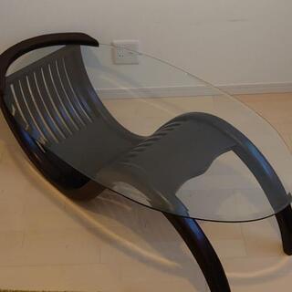 レアなデザイン  コーヒーテーブル ガラステーブル ローテーブル