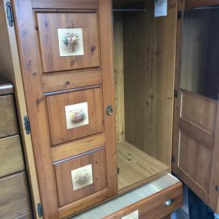 美品 天然木の衣装棚