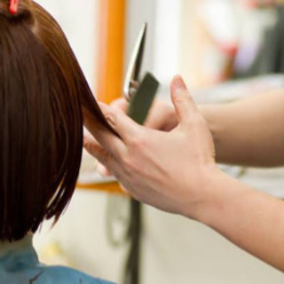 出張美容★髪を切りたいけど、美容室に行けない方は御相談ください★
