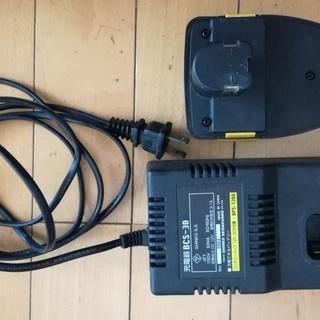 新興製作所インパクトドライバーCIDS120AWの充電器とバッテリー