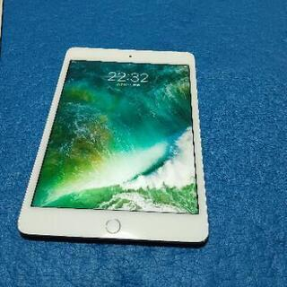 美品動作品 iPad mini4 16G docomo SIMロ...