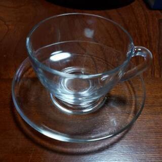 ガラスのカップ&ソーサー