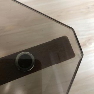 ガラステーブル − 東京都
