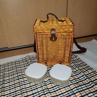 籐のピクニックバッグです。運動会などにどうぞ