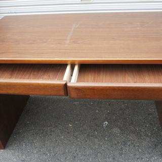 木製事務机・屋内仕事などにに!おやれな椅子付きでお譲ります!