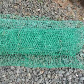 ガーデニング使用の金網、中古、大きさ約350×75センチ