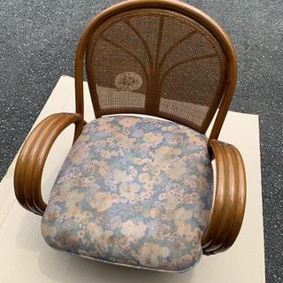 籐 回転 椅子