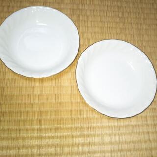 HOYA 皿?浅めの鉢?二個