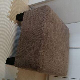 IKEA TIDAFORSシリーズのオットマン