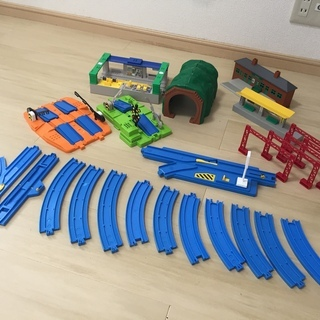 プラレール 踏切、駅、レールなどのセット