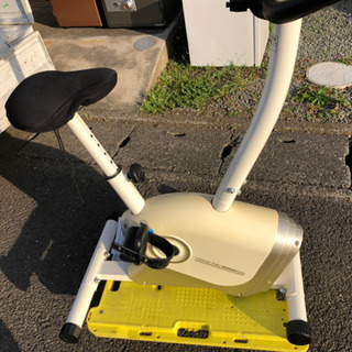 エアロバイク 健康器具 AFB6013 バイク運動 健康 ダイエ...