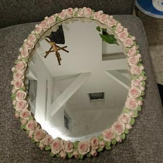 ピンクのお花の鏡