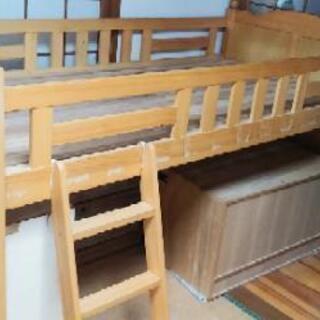 階段付き木製ミドルベッド