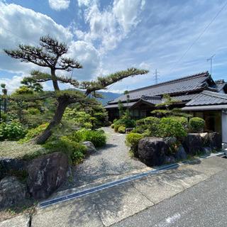 日本庭園+二階建てガレージ付き!築古ですが床下暖房、ウォシュレッ...