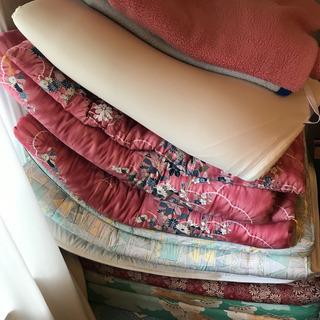 布団、毛布など