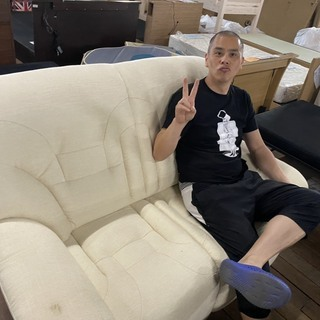 新品!ちょい汚れソファー!これ座り心地いいですけど!118…